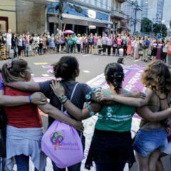 Mulheres vão às ruas no 8 de Março em Manaus